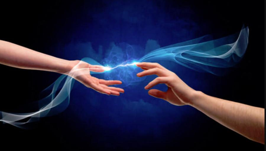 Cum poti trimite energii vindecatoare catre alte persoane si cum te poate vindeca amprenta energetica