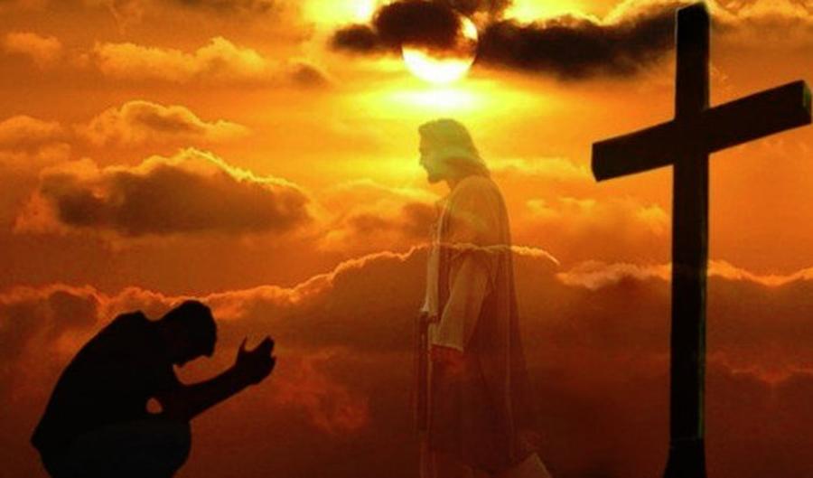 Citită 3 zile la rând, rugăciunea Sfintei Cruci îndepărtează orice rău din casă!