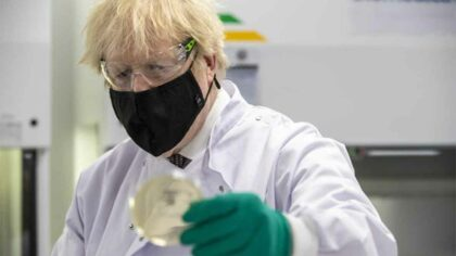 Coronavirus: varianta din Marea Britanie...